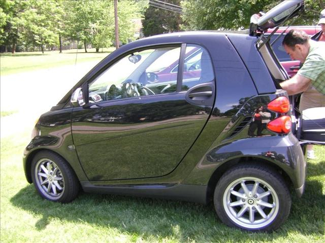 Jet powered Smart ForTwo profile